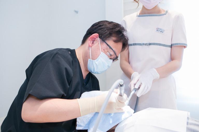 歯を削るイメージ
